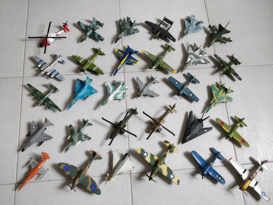 Coleção 30 Aviões Cabo da Praia - imagem 1