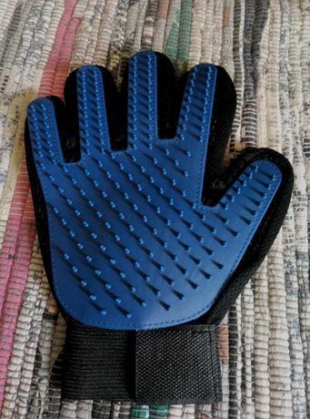 рукавиця від шерсті для котів та собак