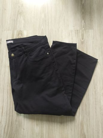 Czarne spodnie TXM