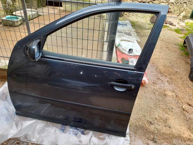 Porta dianteira esquerda Golf 4 1.9 TDI inteira