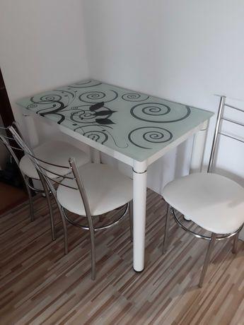Stół plus 3 krzesla