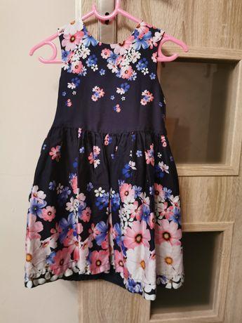 Sukienka 3,4 latka