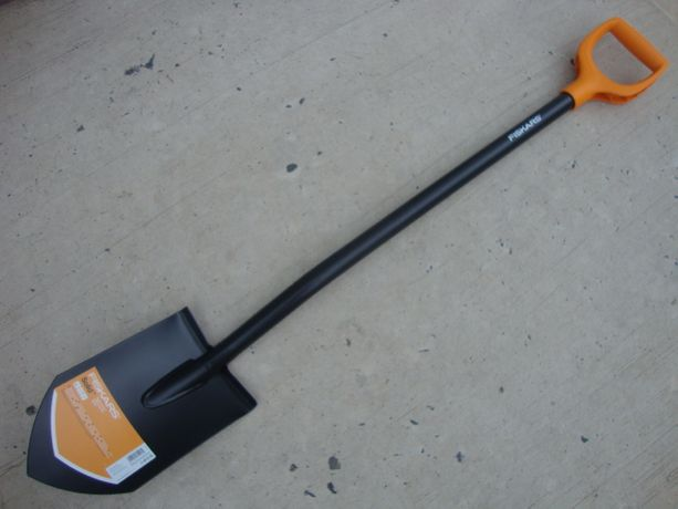 Лопата штыковая длинная Fiskars 131413 solid Фискарс фишкарс для копа