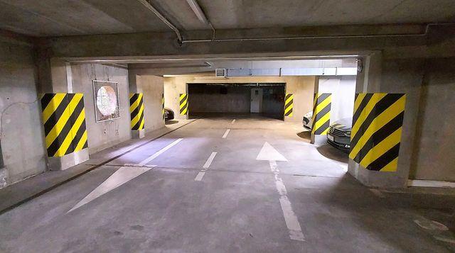 Miejsce postojowe w podziemnym garażu Tymienieckiego 16