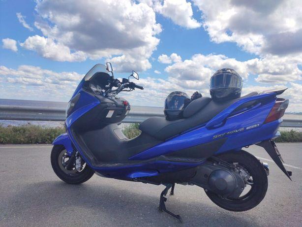 Макси-скутер suzuki skayway 250