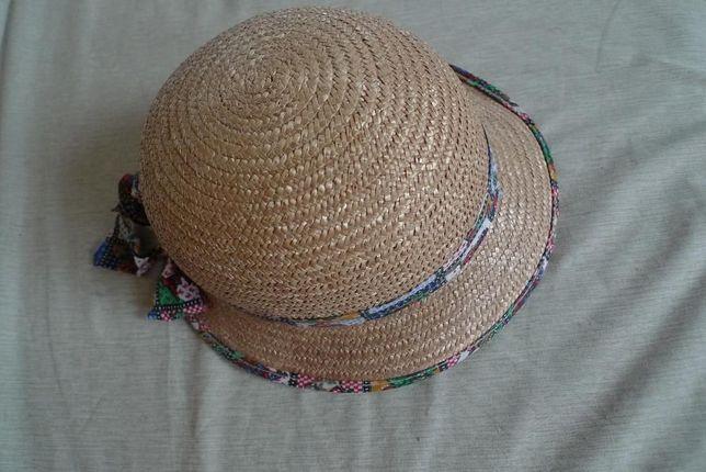 słomiany kapelusz dla dziecka