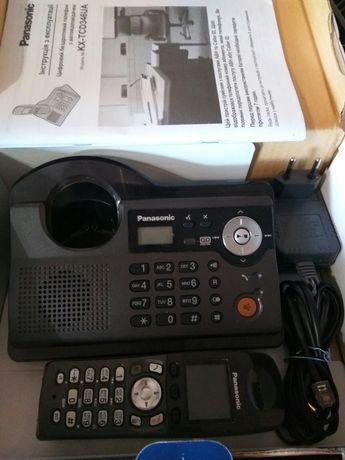 Радиотелефон с трубкой и цветным дисплеем