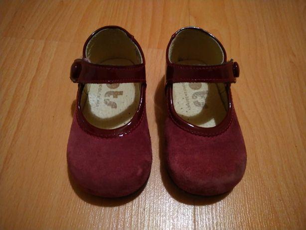 Sapatos OTS nº18 de pele como novos.