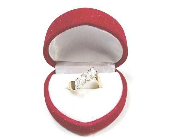 Złoty pierścionek 4 kamienie 585 3,32 G R15