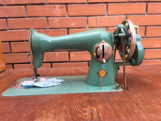 Швейна машинка Подільського механічного заводу, колишній Singer