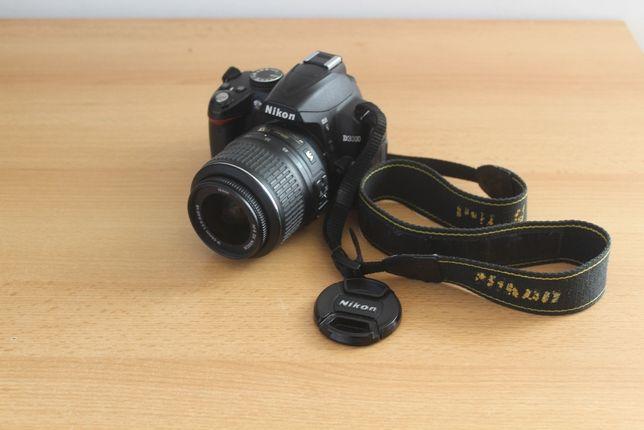 Nikon D3000 + Obiektyw 18-55
