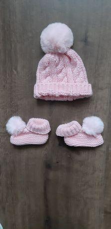 Komplet niemowlęcy czapka + skarpetki