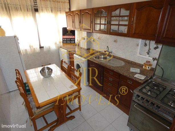 Apartamento T2 todo Mobilado situado no Lavradio/ Barreiro