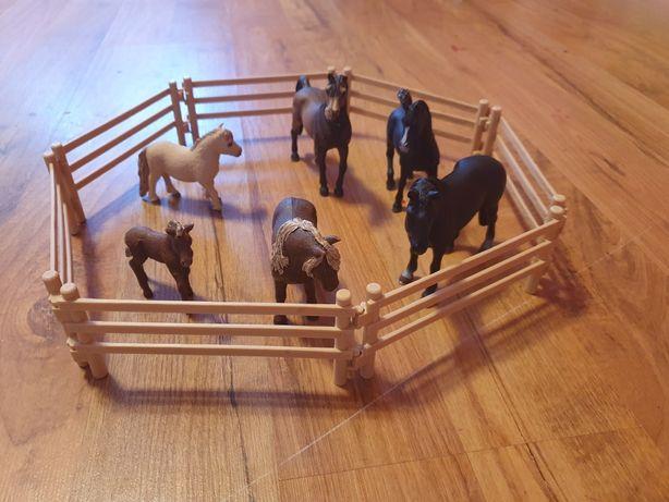 Koniki schleich.