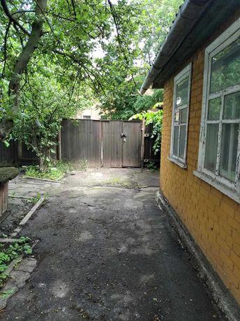 Юрівка частина будинку з окремим двором поруч з зупинкою