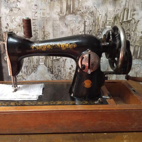 Швейная машинка времен СССР