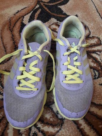 Кроссовки Adidas 35 р