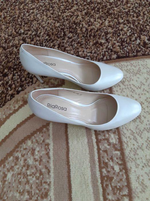 Продаю новые белые кожанные туфли Нежин - изображение 1