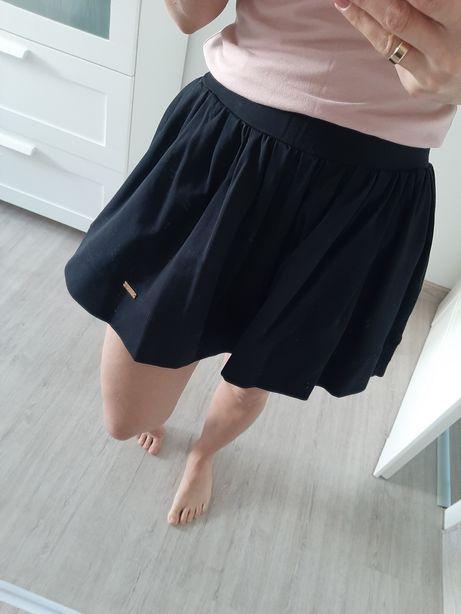 Spódniczka dresowa.