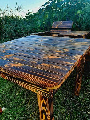 Стол деревянный садовый