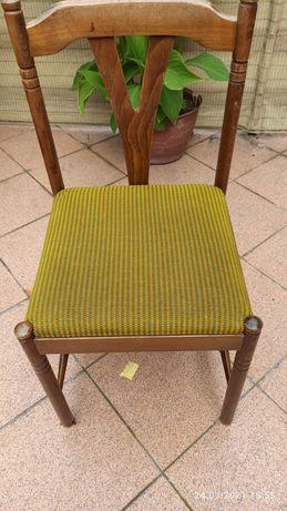Krzesło tapicerowane Model z PRL