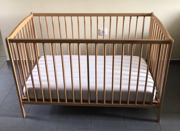 Cama de bebé + colchão