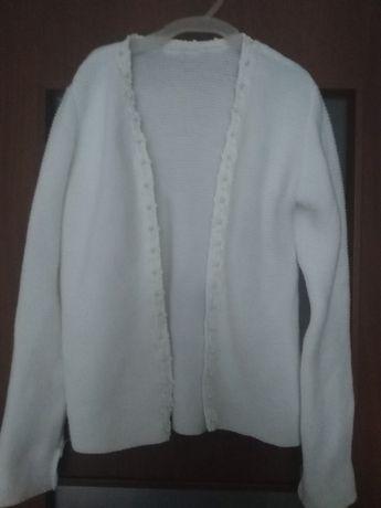 Sprzedam biały sweterek