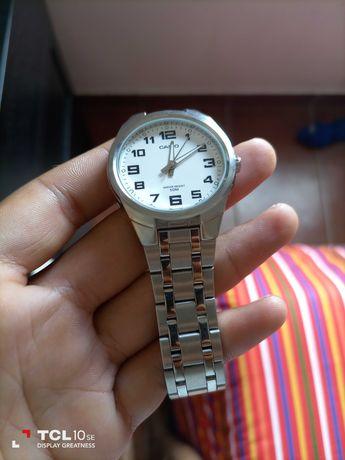 Relógio Casio praticamente novo ,sem muito uso