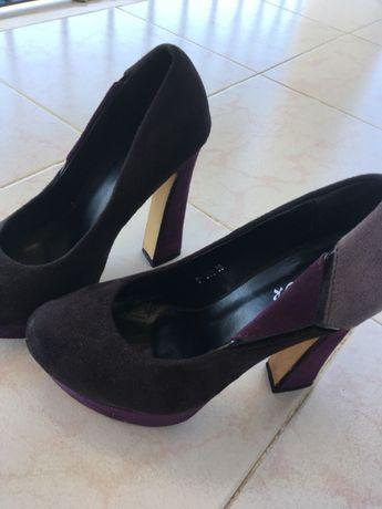 Sapatos altos de camurça 36