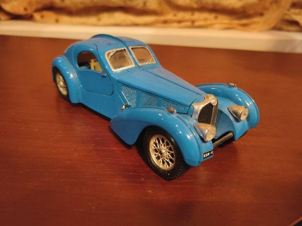 Модель Bugatti Atlantic 1936 1/24 Bburago