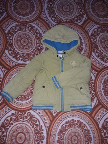 Тепленька курточка на 3-4 роки