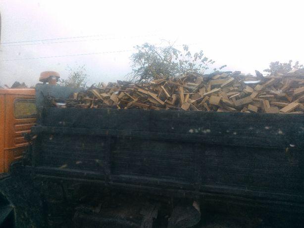 Дубові дрова з доставкою