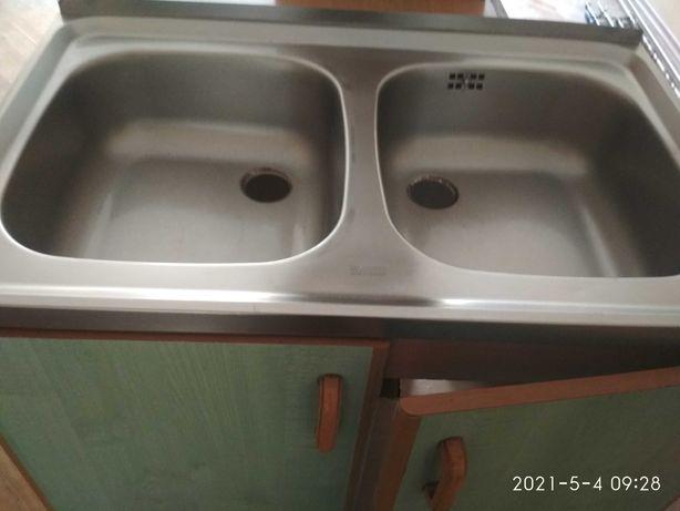 zlew kuchenny dwukomorowy