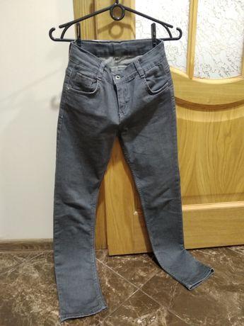 Брюки джинсы 152 см