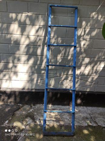 Лестница для погреба металлическая