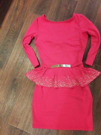 Эффектное платье 42-44