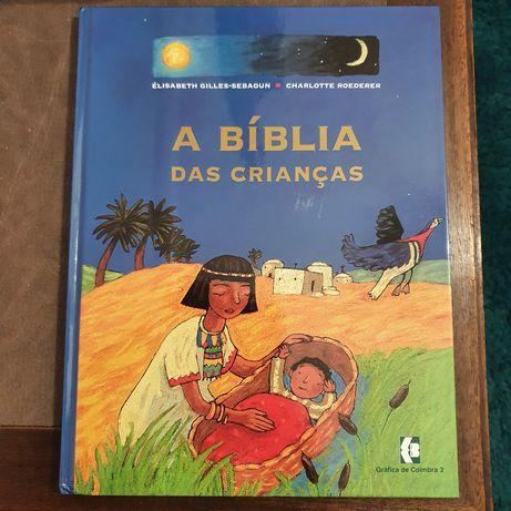 2 livros:A Bíblia das crianças e Lúcia a vida da pastorinha de Fátima