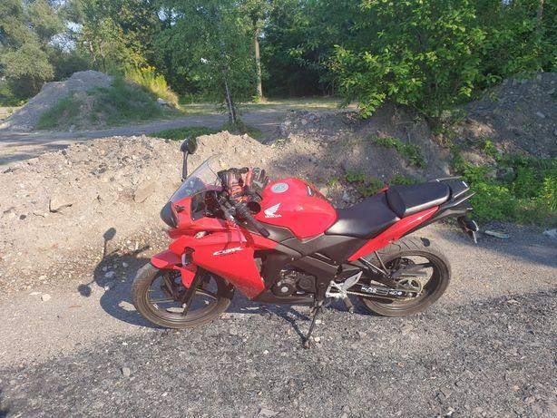 Honda CBR 125R stan idealny, niski przebieg