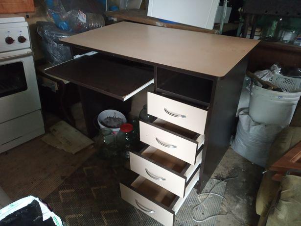 Продам письменный стол под компьютер
