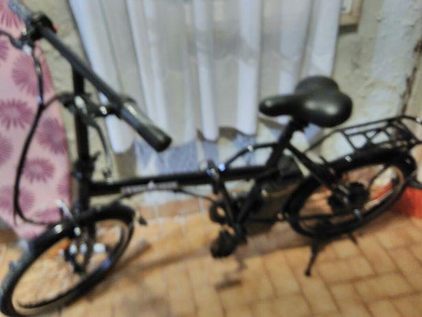 Bicicleta eletrica desdobrada