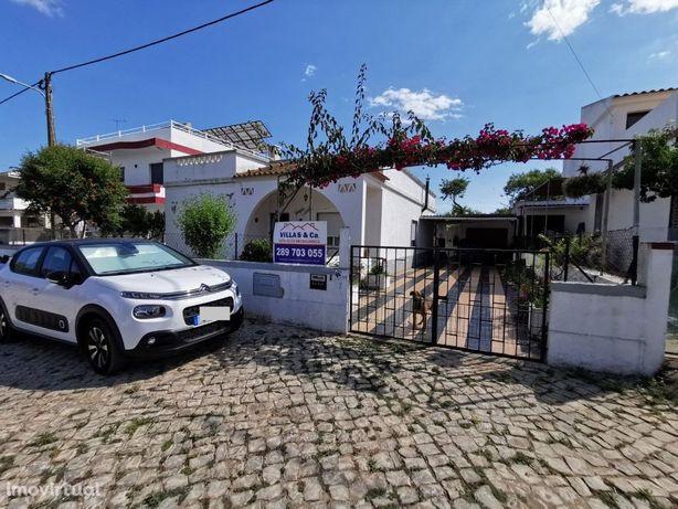 Vende-se moradia típica térrea no concelho de Olhão