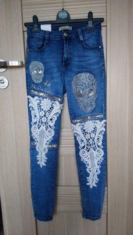 Nowe spodnie jeansowe ciemno niebieskie z aplikacjami rozm. 36