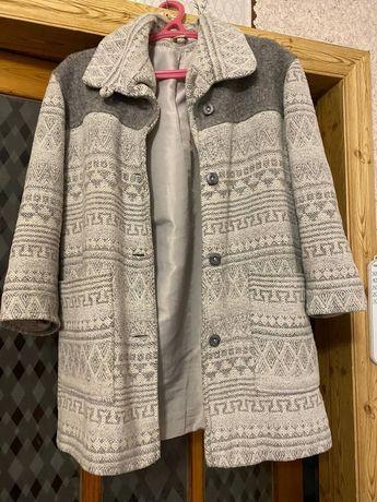 Пальто женское продам
