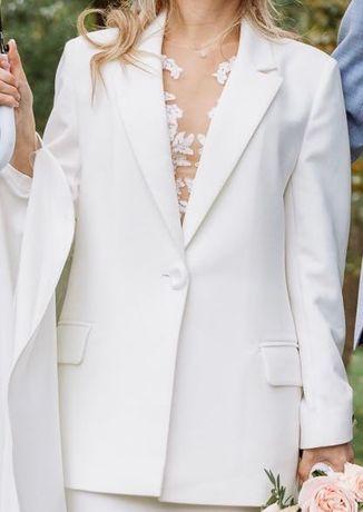Белый пиджак б./у.
