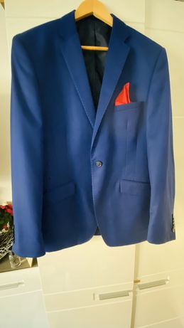 Modny, niebieski garnitur Giacomo Conti