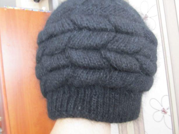 Зимняя ангоровая шапка.