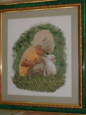 картина вишита хрестиком,малюк і кролик