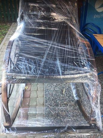 Коване крісло-качалка.