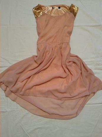 Женской бежевое платье