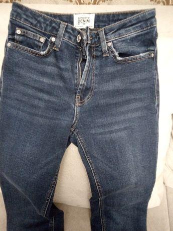 Продам джинсы Zara на девушку. р.XXS